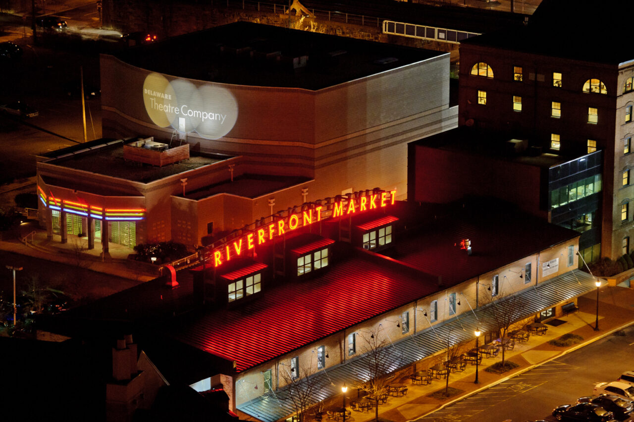 market and shopping near Apartment in Wilmington DE